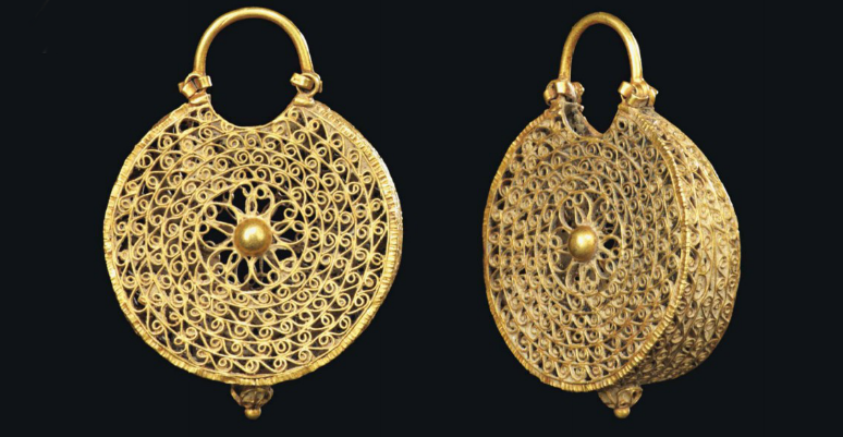 A pair of Fatimid gold earrings. Egypt, second half 11th century. Christie's (Oct 8th), lot 9.