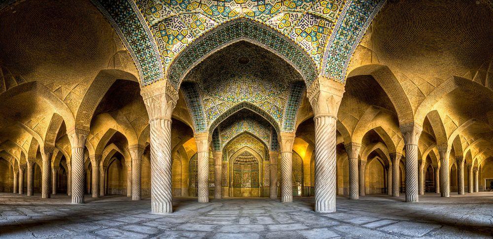 Vakil_mosque_Panorama.jpg